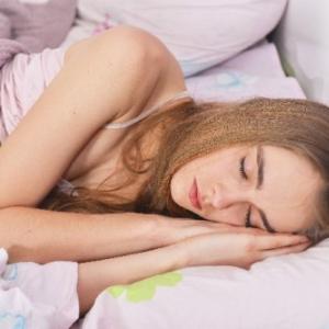 独断と私情を交えて選ぶ ブライアン・イーノの安眠ソング5選