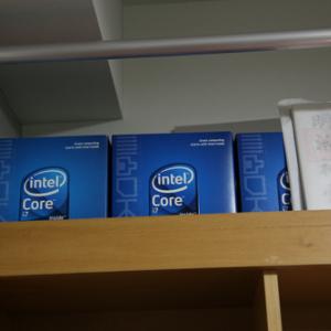 自作PCユーザーにありがちなこと 「ケースを開けっ放し」「漫喫のPCスペックに不満」