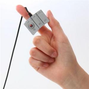 マウスを指先に装着!? スペース要らず『光学式フィンガーマウス 400-MA027』