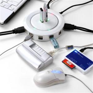 これだけあれば大丈夫! 24ポートを搭載した円盤型USBハブ