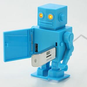 ゼンマイで2足歩行するUSBハブ『USBハブロボット 400-HUB014シリーズ』
