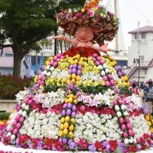 お花のドレスを纏ったミニーちゃんがかわいすぎる!【ディズニーイースター2015】