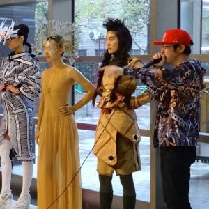 【速報】新宿の街にゲリラファッションショー!? プロジェクト『HAPPENING』第3弾開催