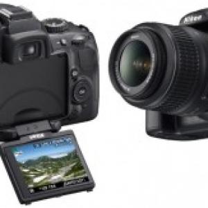 【新製品】モニター角度が自由に動く、デジタル一眼レフ『ニコン D5000』発売へ