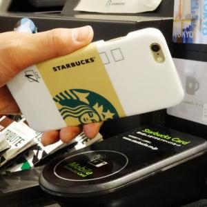 スタバの支払いはiPhoneケースでスマートに! カップデザインがオシャレな『STARBUCKS TOUCH』新登場