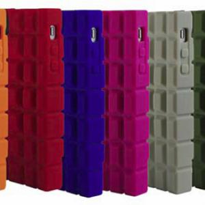 手榴弾型デザインが強力にガードする『iPhone 4』ケース『INCIPIO BOMPROOF』