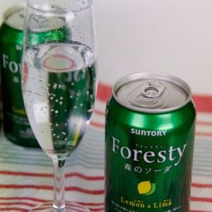 【ひと先試飲】森の香りのお味は!? サントリー『フォレスティ 森のソーダ〈レモン&ライム〉』を飲んでみた